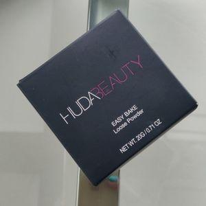 Huda Beauty Blonde Setting Powder